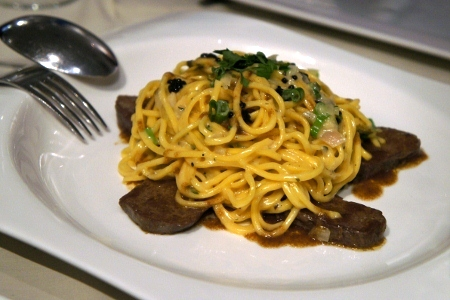 venison pasta with caciovallo cheese sauce