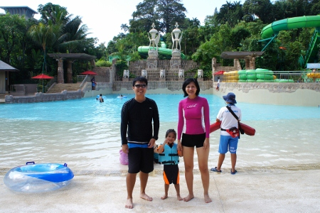 Bluwater Bay (with photobombing lifeguard)