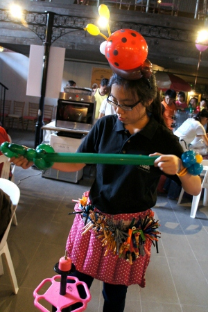 balloon sculptor