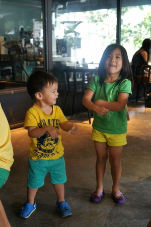 impromptu dance at coffee place