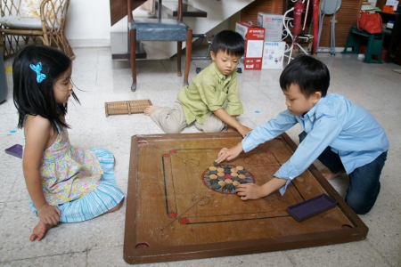 a round of carrom