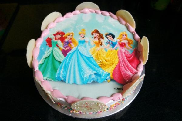 Cake Ice Cream Swensen S : Swensen s Disney Princess Ice-Cream Cake (Plus a Giveaway ...