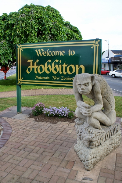Gollum welcomes us to Hobbiton
