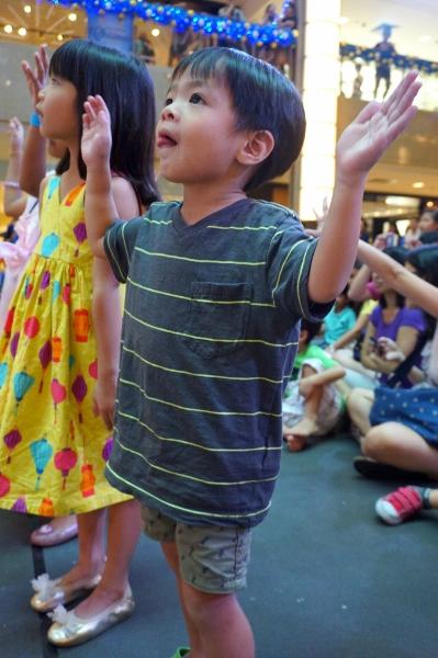 the kids dancing along