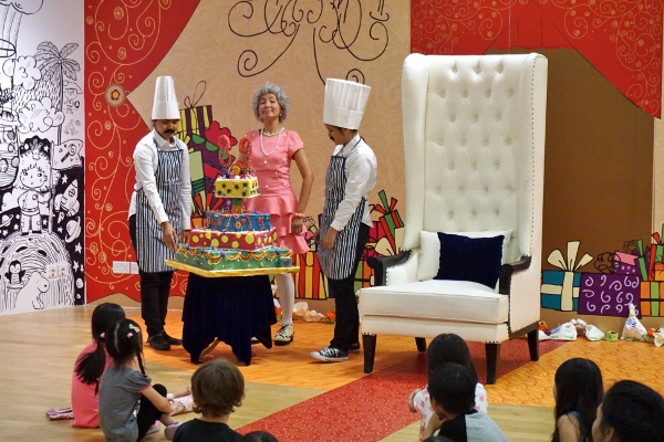what a splendid cake!