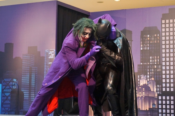 Joker easily defeats a Batman imposter