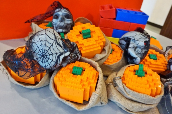 adorable LEGO pumpkins