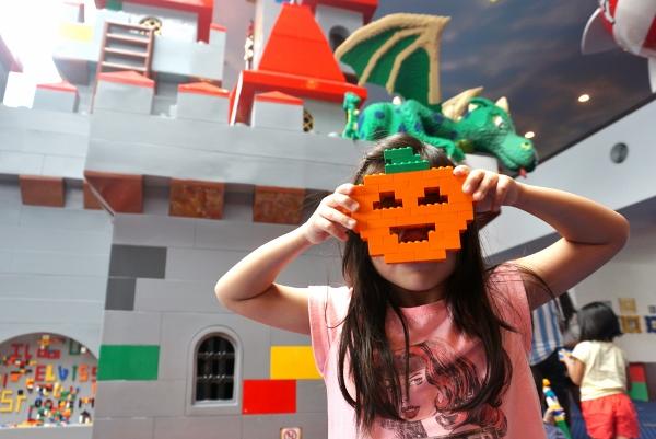 Legoland Brick-or-treat Duplo Block Green Frankenstein Halloween NEW