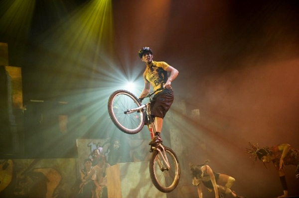wcirqueeloize_id_trialbike-1435332054 (600x399)